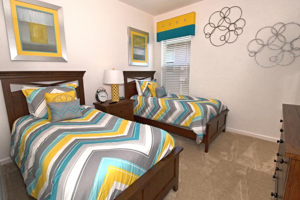 19_Twin_Bedroom_0721.jpg