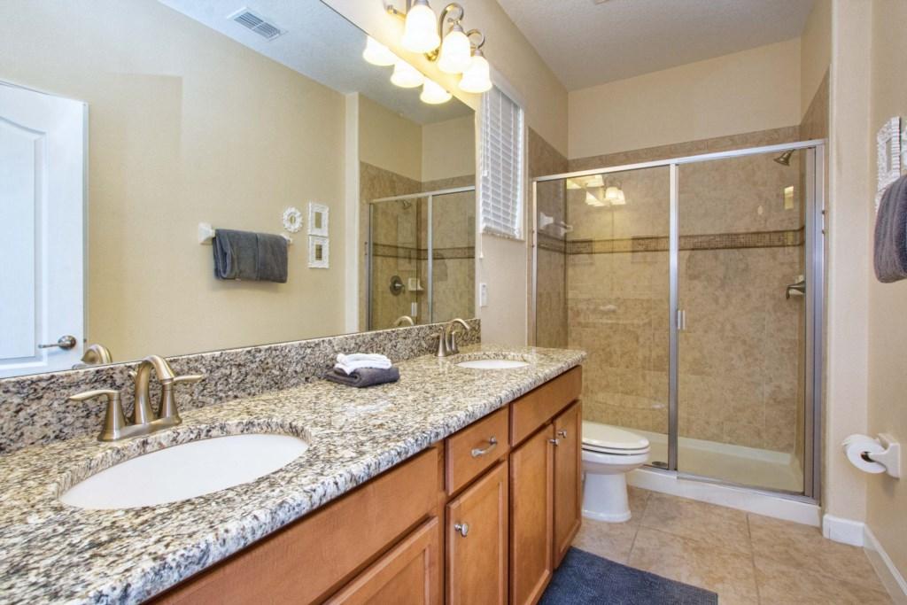 19-Bathroom3.jpg