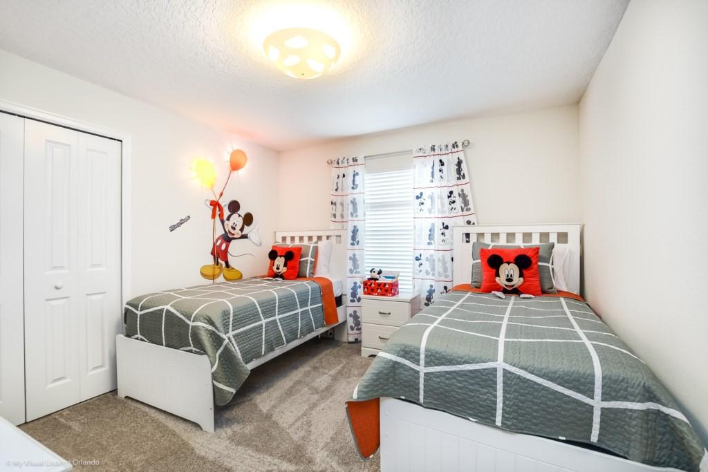 4811LullabyLane,StoreyLake_25 Disney Vacation Homes in Orlando.jpg