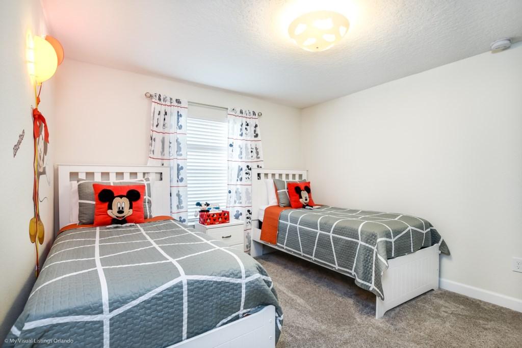 4811LullabyLane,StoreyLake_26 Disney Vacation Homes in Orlando.jpg