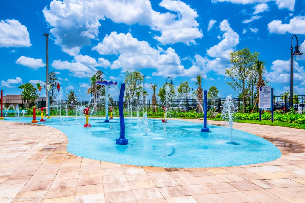 StoreyLakecommunity-18 Disney Vacation Homes in Orlando.JPG