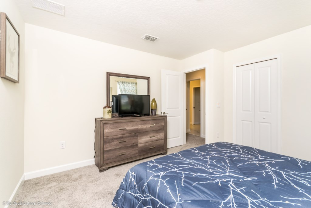 1605MaidstoneDr-Bedrooms-4