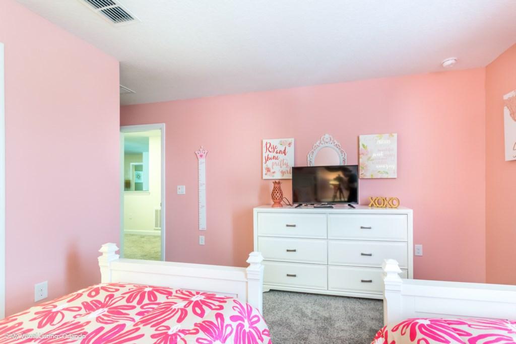 1605MaidstoneDr-Bedrooms-7