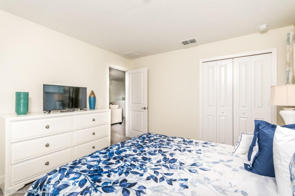 1605MaidstoneDr-Bedrooms-8