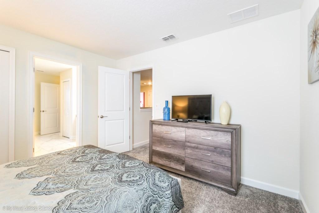 1605MaidstoneDr-Bedrooms-9