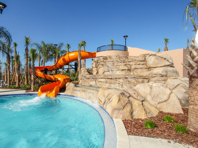 Solterra-Pool-Waterslide