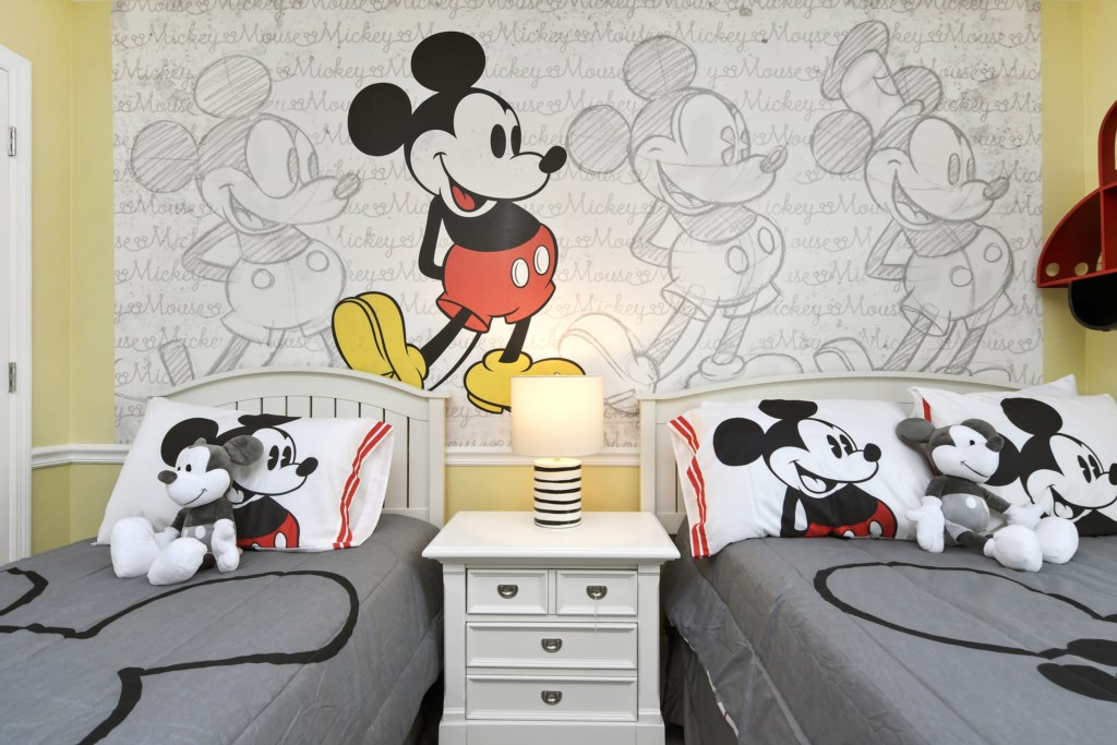 Mickey Bedroom - 1 Full and 1 Twin Bed