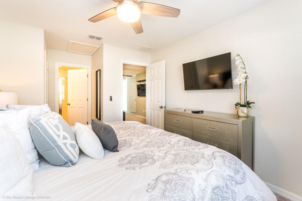 King Bedroom - Flat screen mounted TV