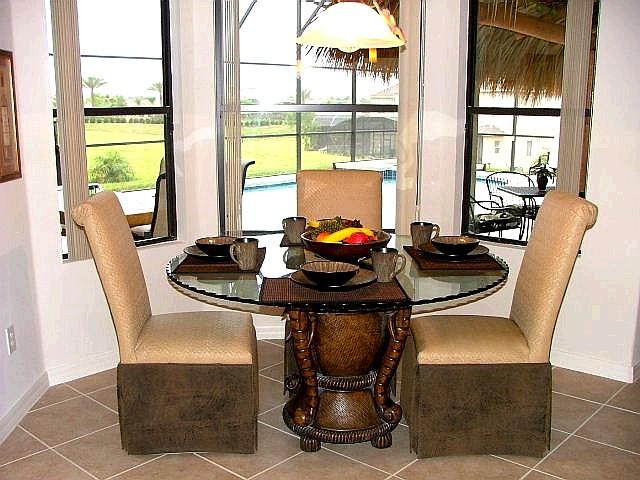 safari_table