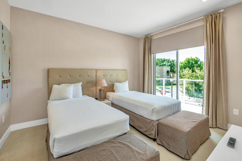 7628RFD bed2.jpg
