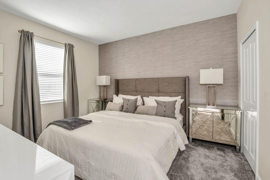 4509TargetBlvd,StoreyLake bed1.jpg