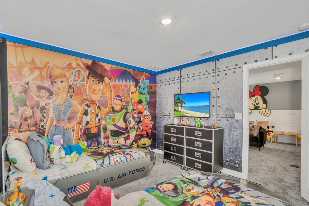 4509TargetBlvd,StoreyLake bed2-1.jpg