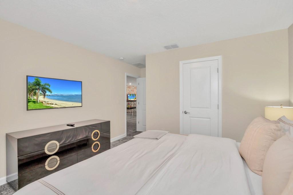 4509TargetBlvd,StoreyLake bed5-1.jpg