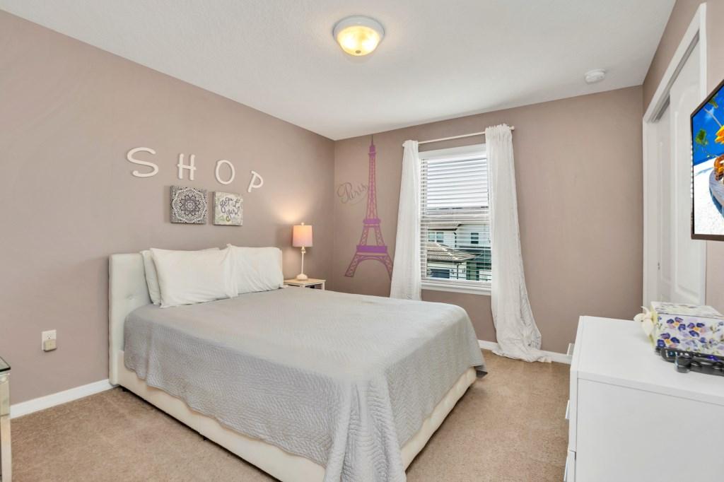 9045RhodesSt,WindsoratWestside bed3.jpg
