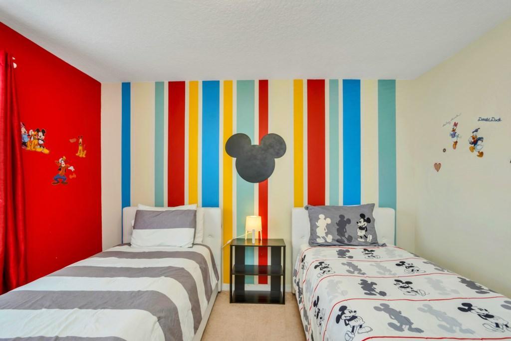 9045RhodesSt,WindsoratWestside bed4-1.jpg