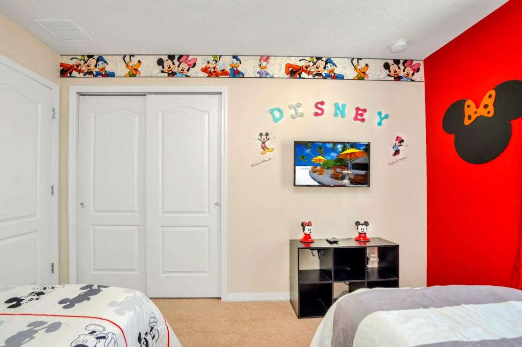 9045RhodesSt,WindsoratWestside bed4-2.jpg