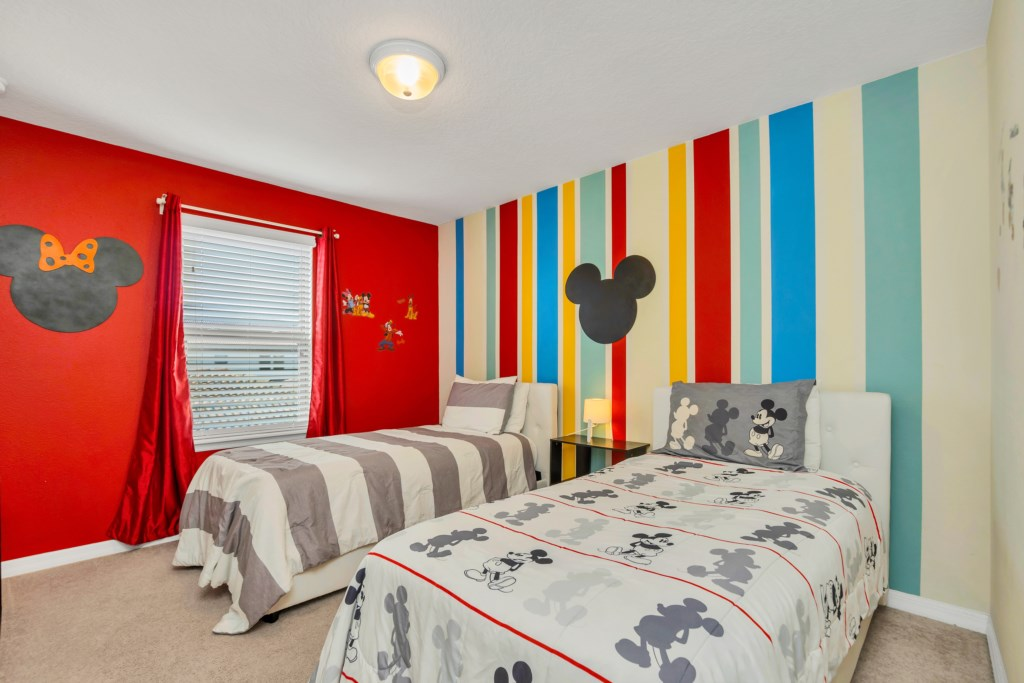 9045RhodesSt,WindsoratWestside bed4.jpg