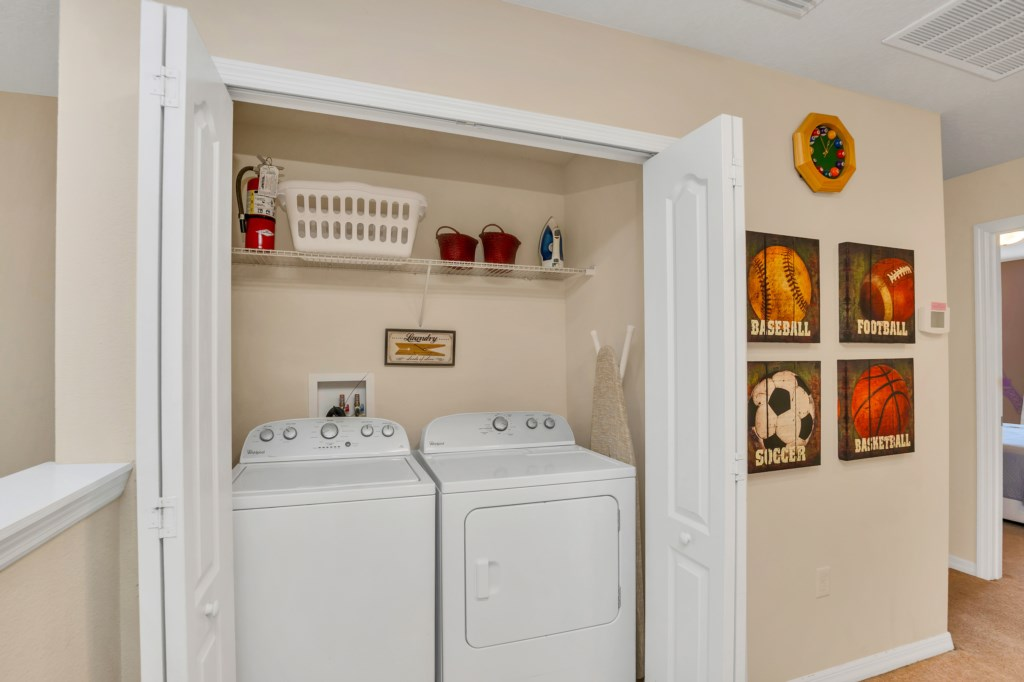 9045RhodesSt,WindsoratWestside laundry.jpg