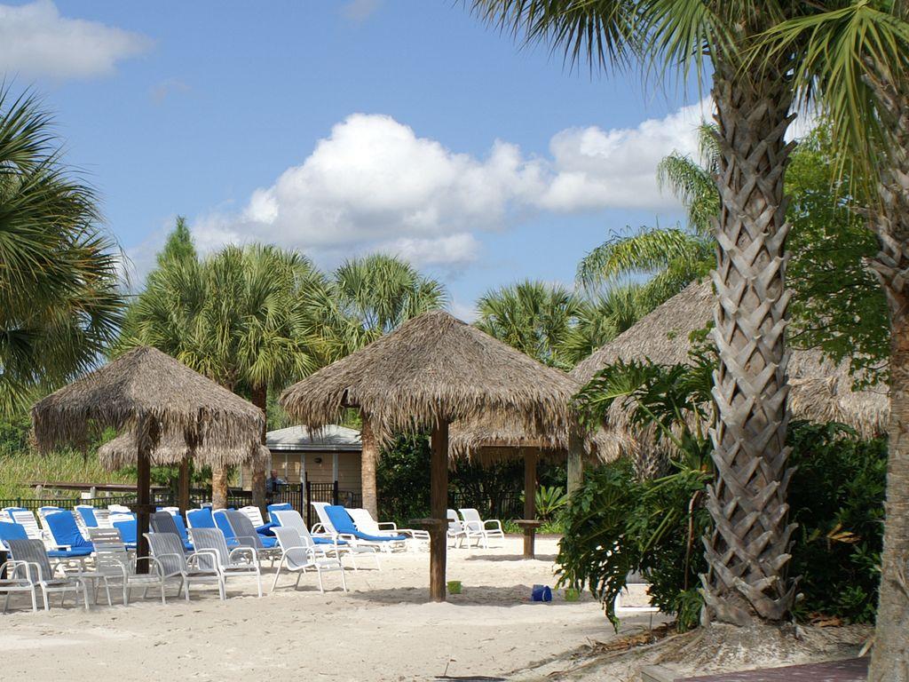 611Lucaya beacharea.jpg