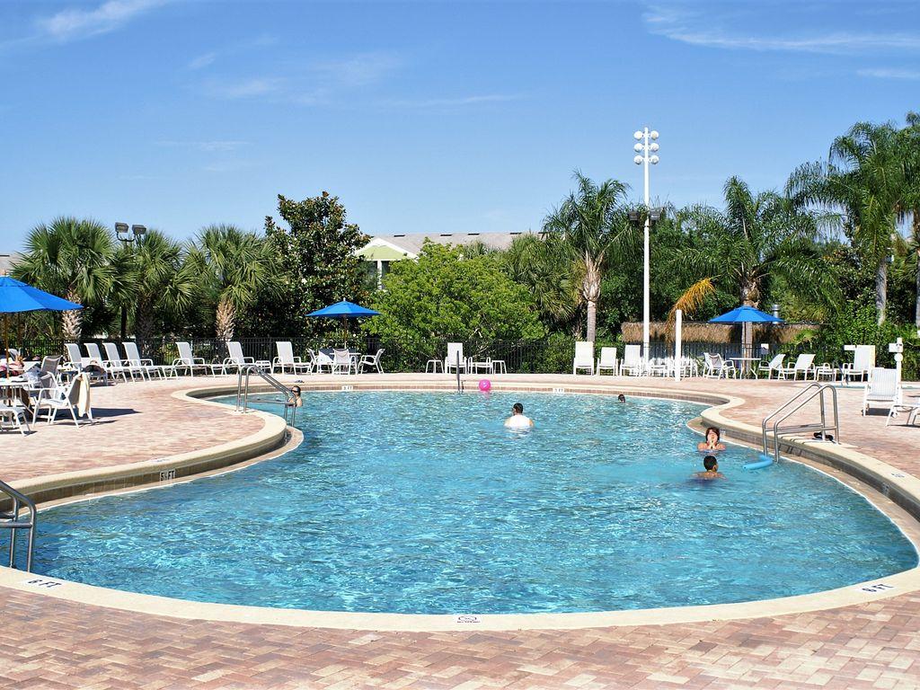 611Lucaya pool1.jpg