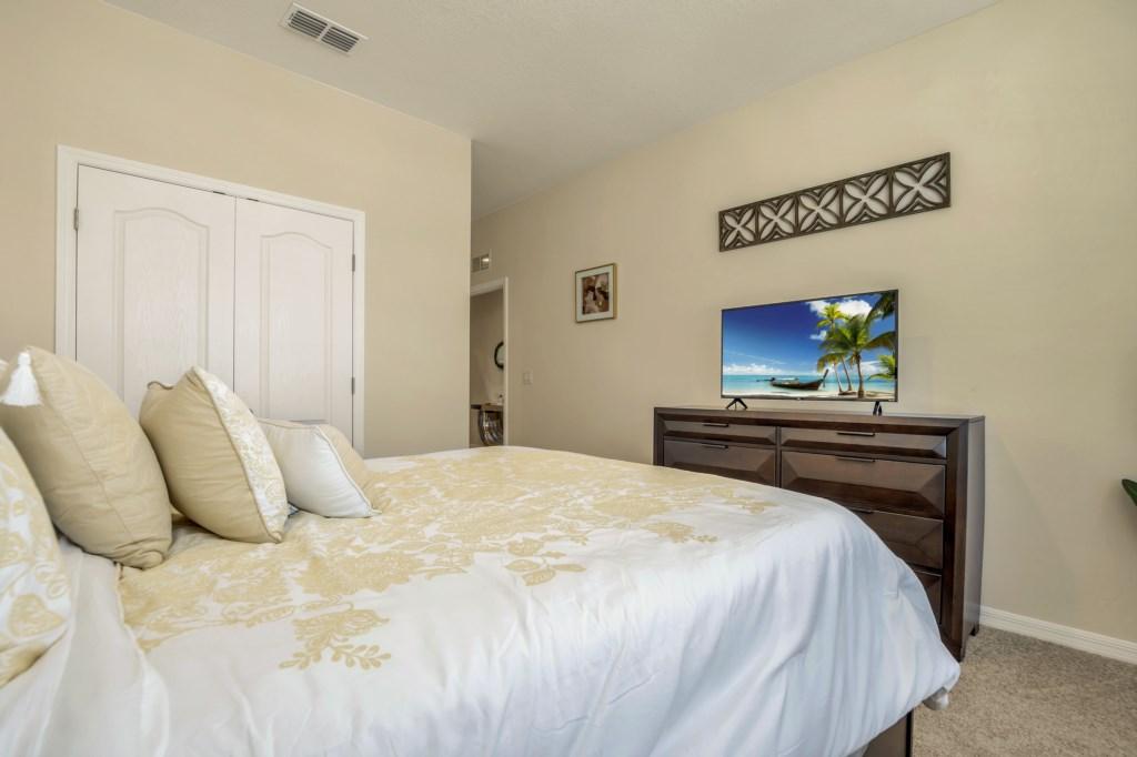 4341AcornCt bed1-2.jpg