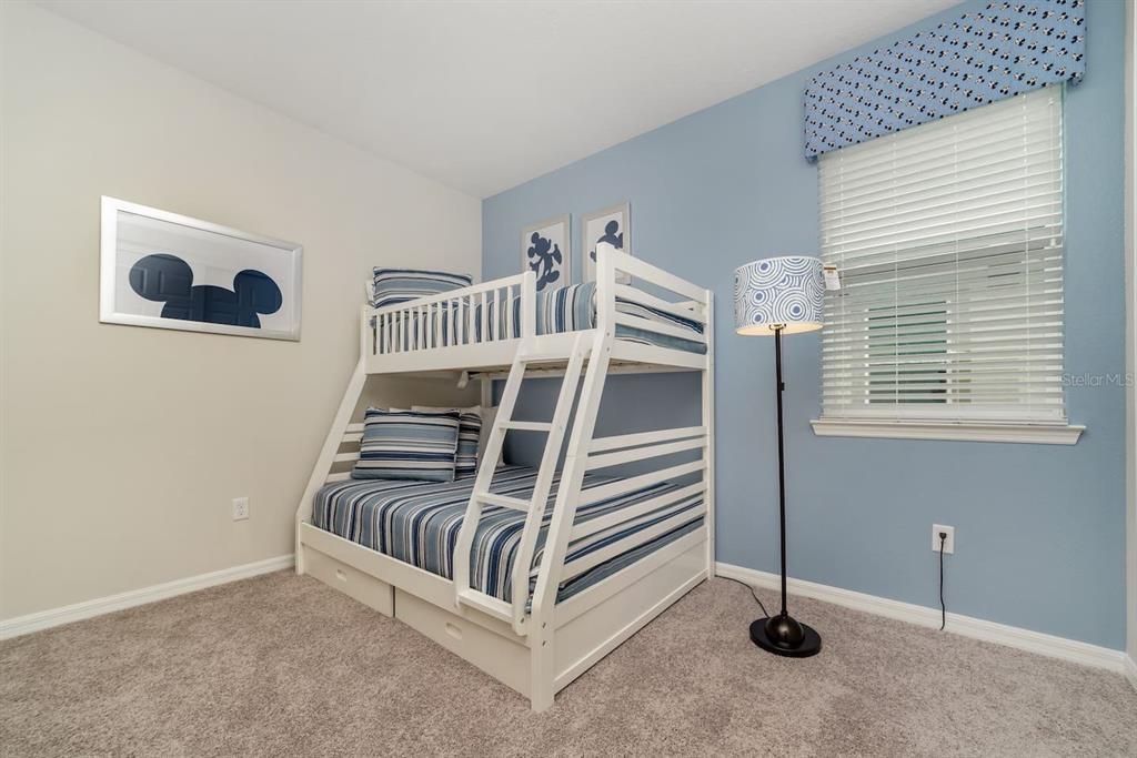 1568NPT bed2.jpg