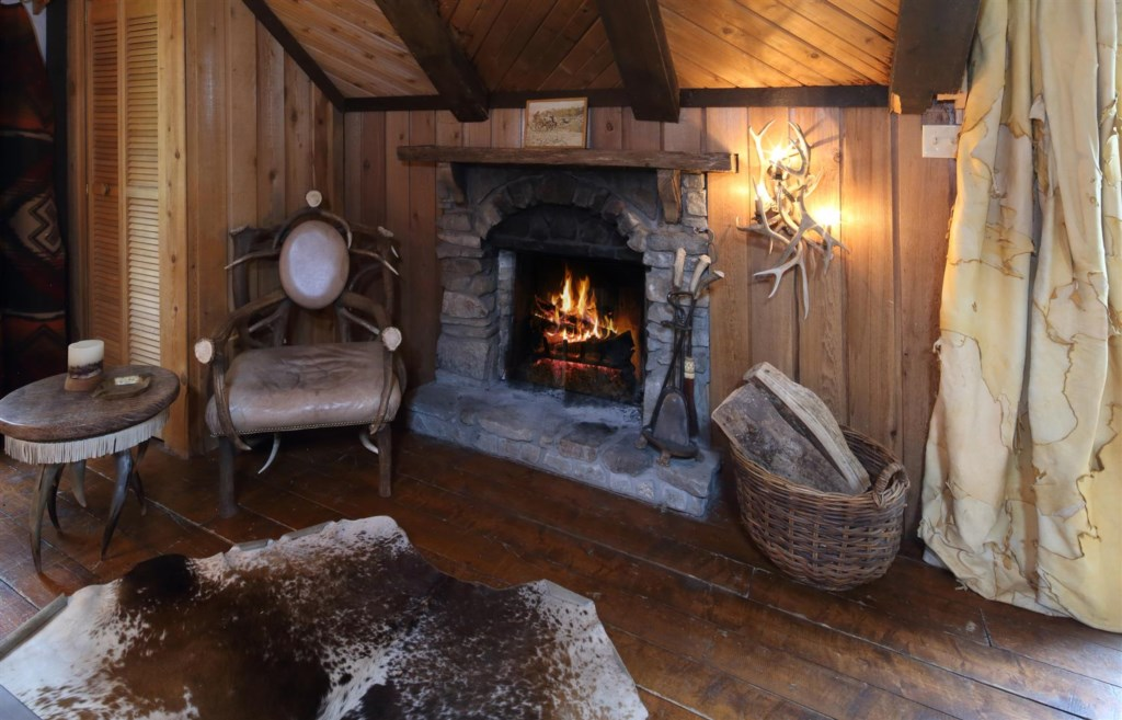 Guest house fireplace