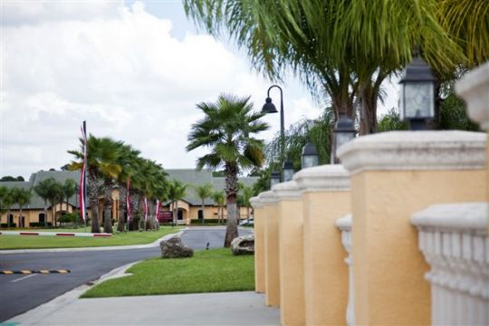 Paradises Palms Entrance.