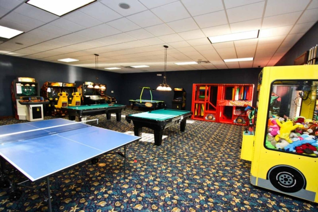Paradise Palms game room