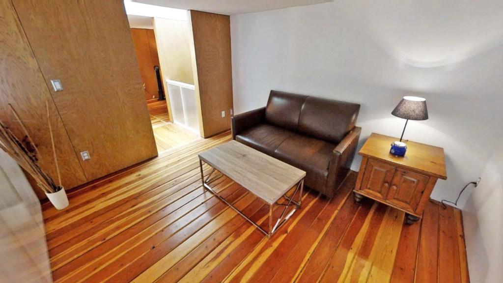 loft-sitting area.jpg