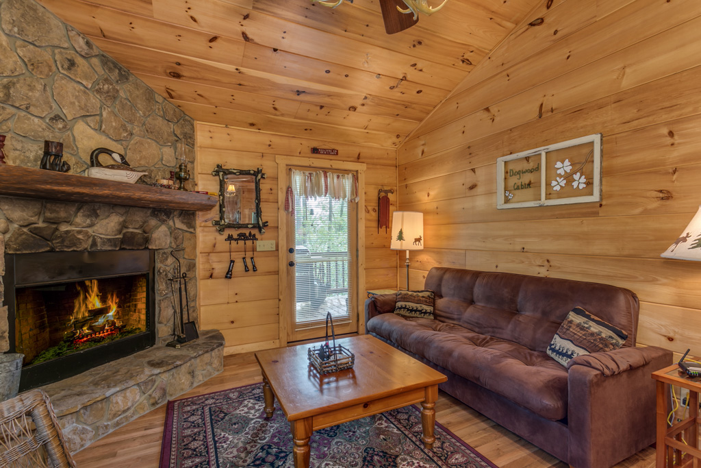 Great room at Dogwood Cabin