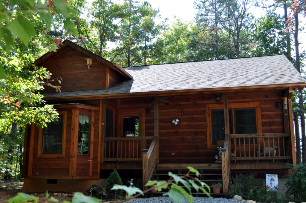 Dogwood Cabin in Beautiful Blue Ridge, GA