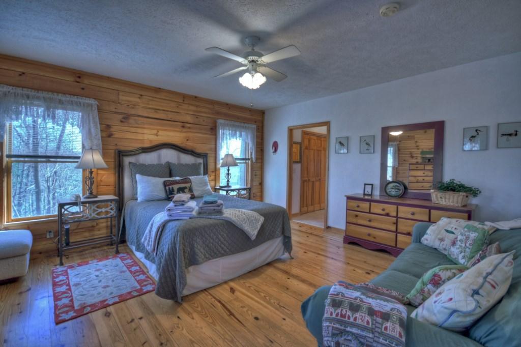 Queen Main Level Bedroom