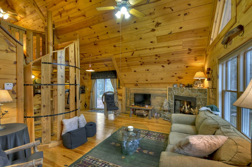 'Secluded off the beaten track retreat, great fireplace! - Review Emma