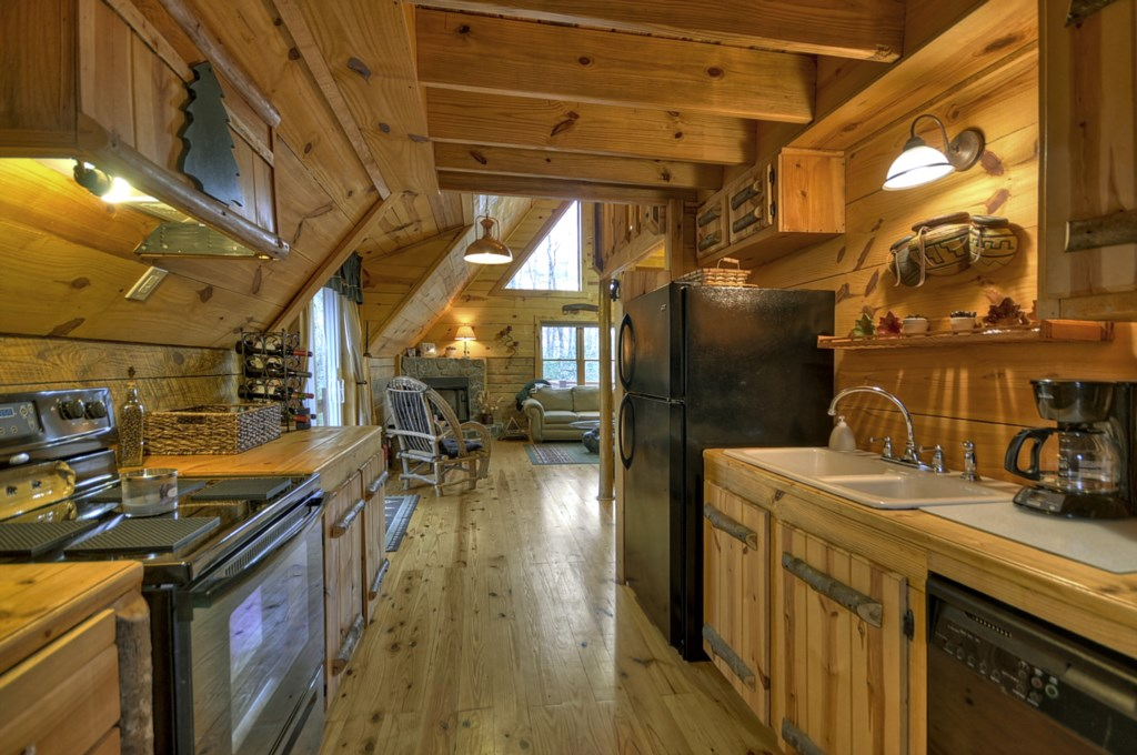 This quaint rustic cabin offers lots of open spaces to entertain