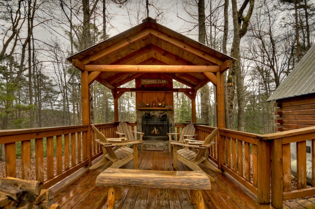 'My favorite part was the covered deck with outdoor fireplace' - Review Danielle