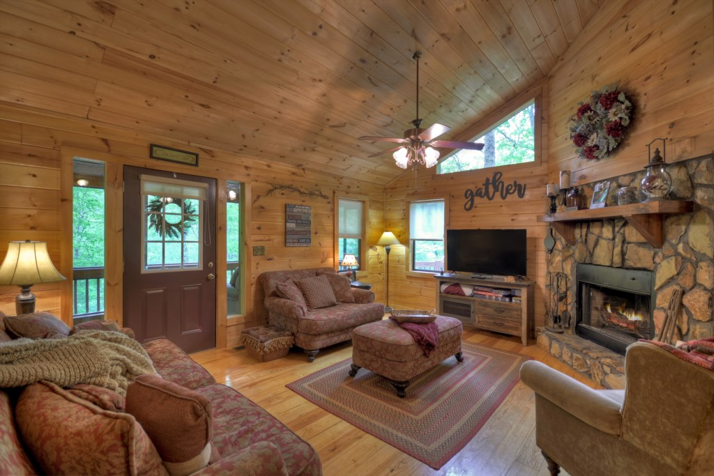 The cabin offers a spacious open floorplan which lends to spending quality time together