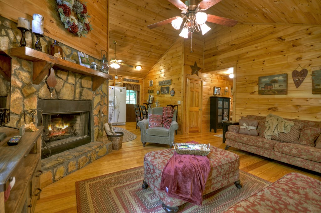 'Clean, remote, and cozy!' - Review Rebekah