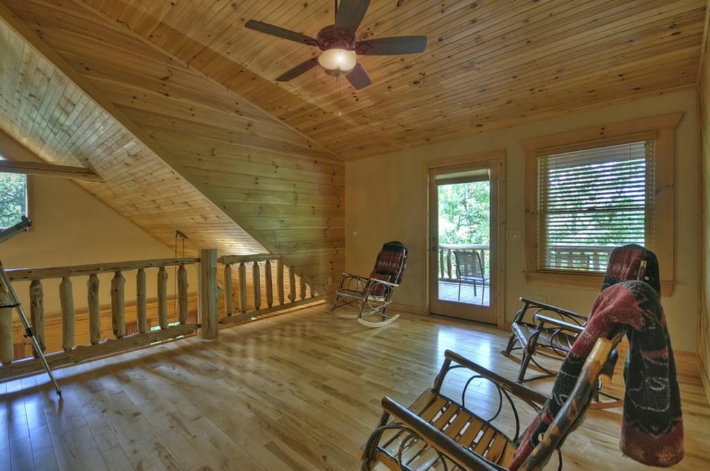 Loft Level Sitting area
