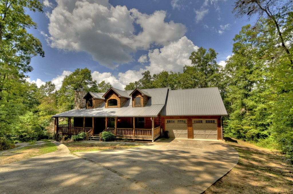 'Amazing cabin great location, just 10 minutes from Town' - Review Bryce