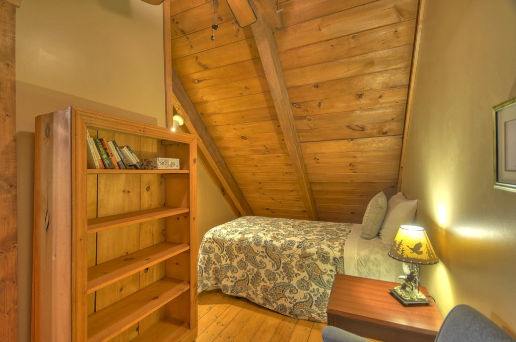 Loft level Twin size Bedroom