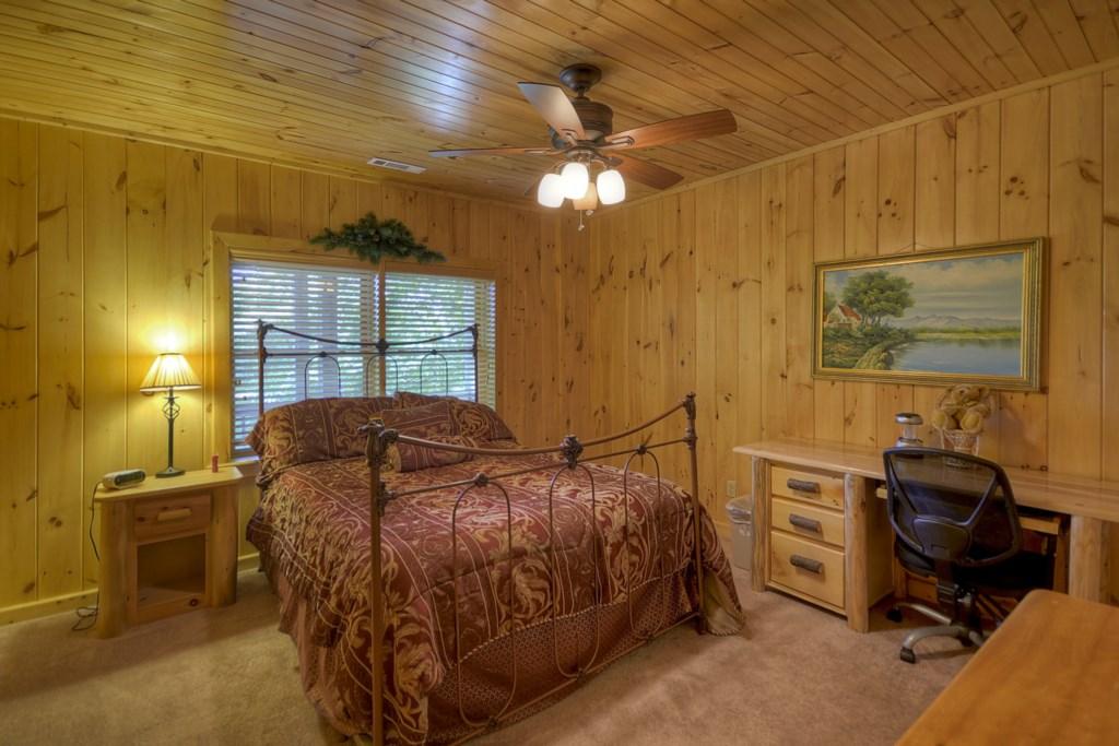 Cozy Terrace Level Bedroom with Queen bed