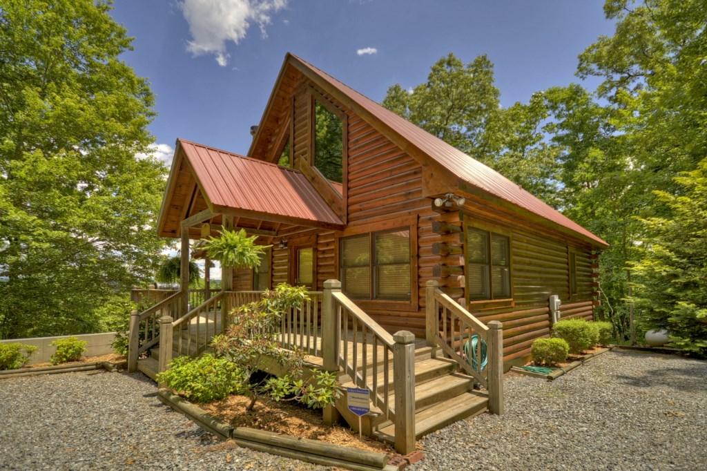 Bear Ridge Hideaway, a great retreat hidden in wooded seclusion