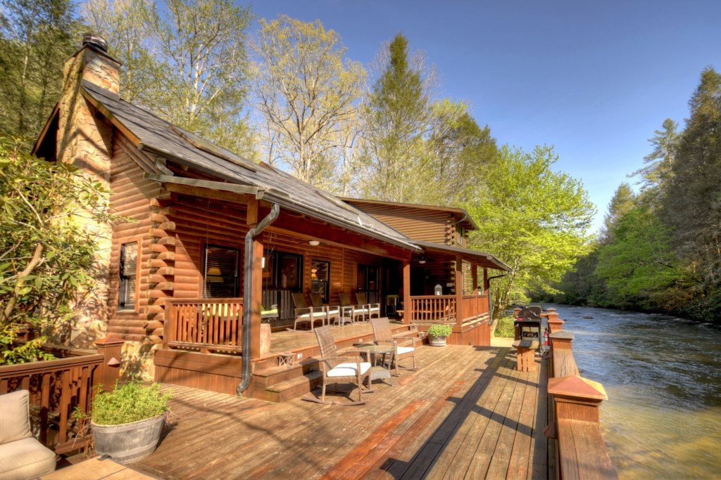 'The outside area is just as amazing and relaxing as it looks' - Review Roxanne