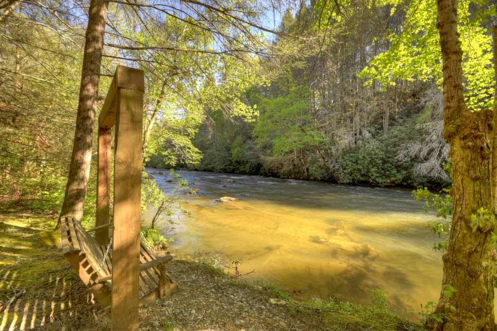 'Great location and beautiful scenery' - Reveiw Ruth