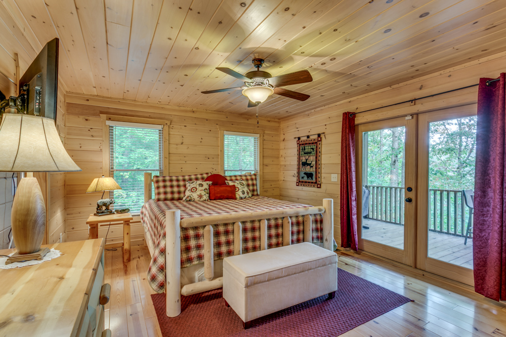 Beautiful Main Level Master with Queen Bed & porch access