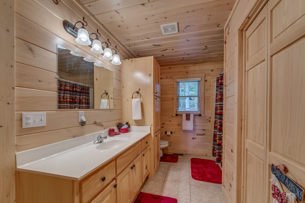 Main Level full bath with shower