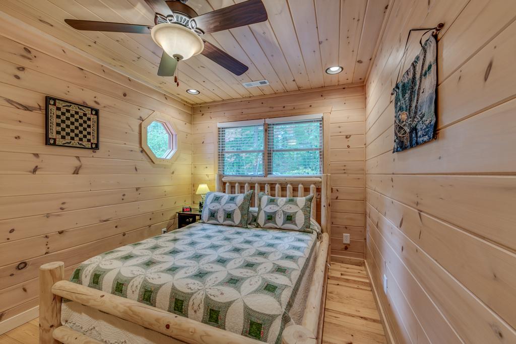 Country Dreams Cozy Queen Loft Level Bedroom