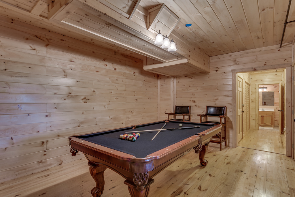 Country Dreams Full size pool table