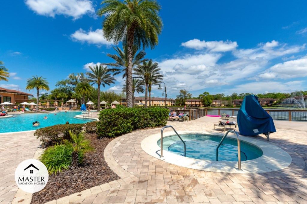Regal Oaks Resort - Master Vacation Homes (15).jpg
